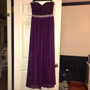 Dresses & Skirts - Strapless Plumb Prom Dress